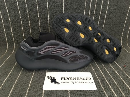 Authentic Yeezy 700 V3 Boost  Alvah