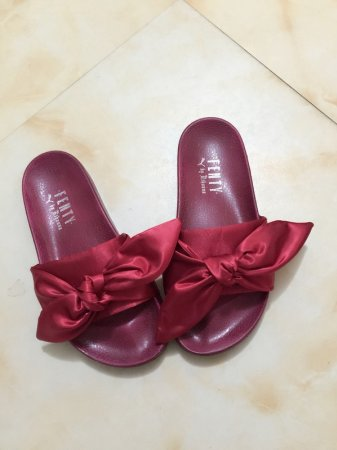 newest 6ee6a 248b3 Puma X Rihanna FENTY Satin Bow Slide Burgundy