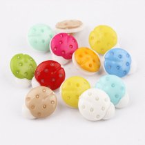 100 pcs white Ladybug plastic Buttons Mixed  Accessories