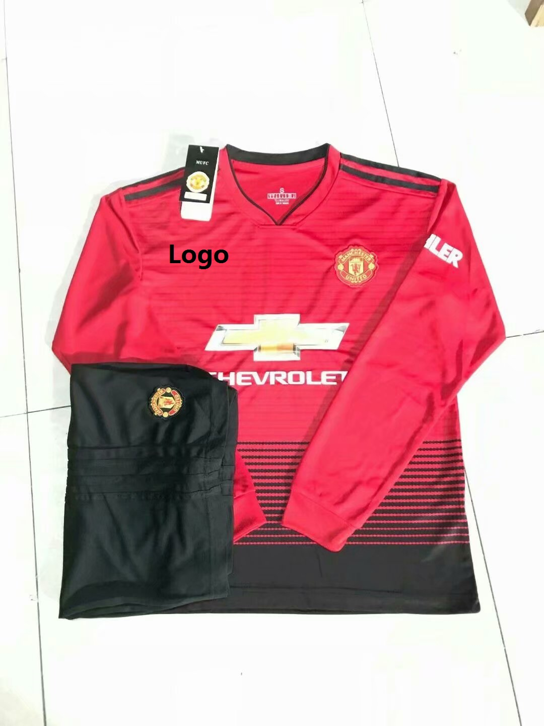 8112b35cbe3 18/19 Adult Manchester United Home Long Sleeve Soccer Jerseys Winter Sport  Training Football Uniforms