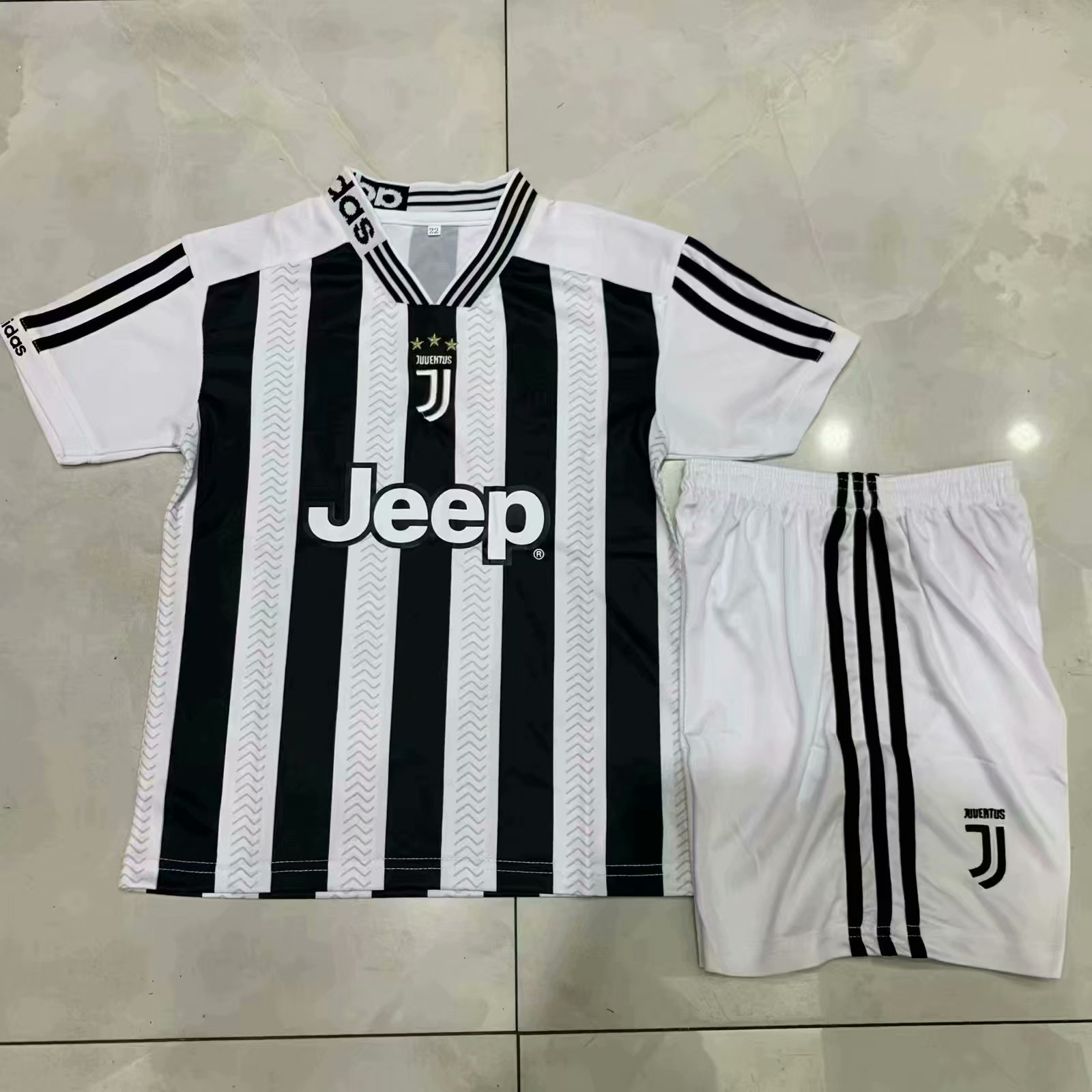 05343c3ebb9 2019 20 Kids Juventus Home Soccer Uniforms Children Football Kits