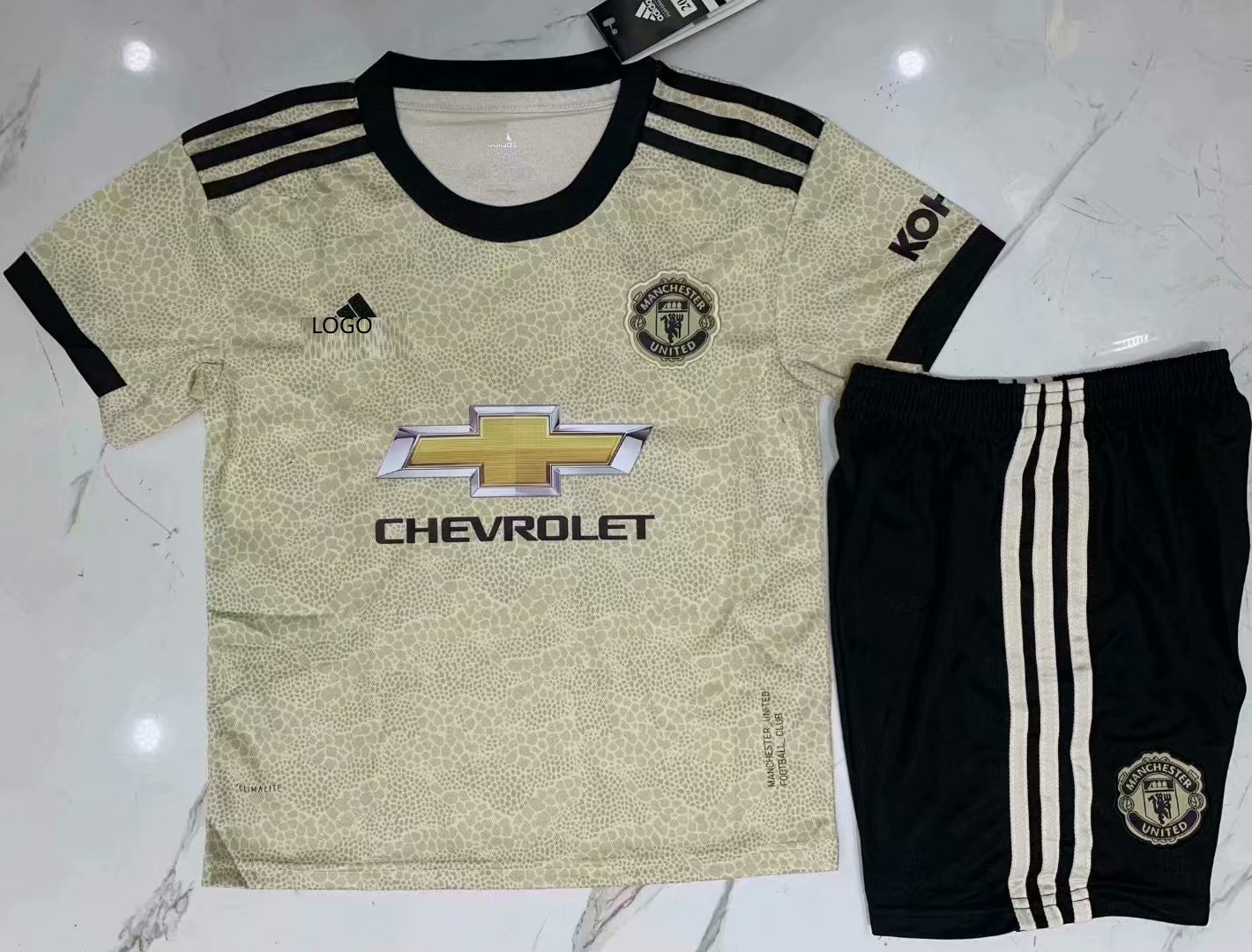 buy popular e2d5a bc8a6 manchester united football kit child