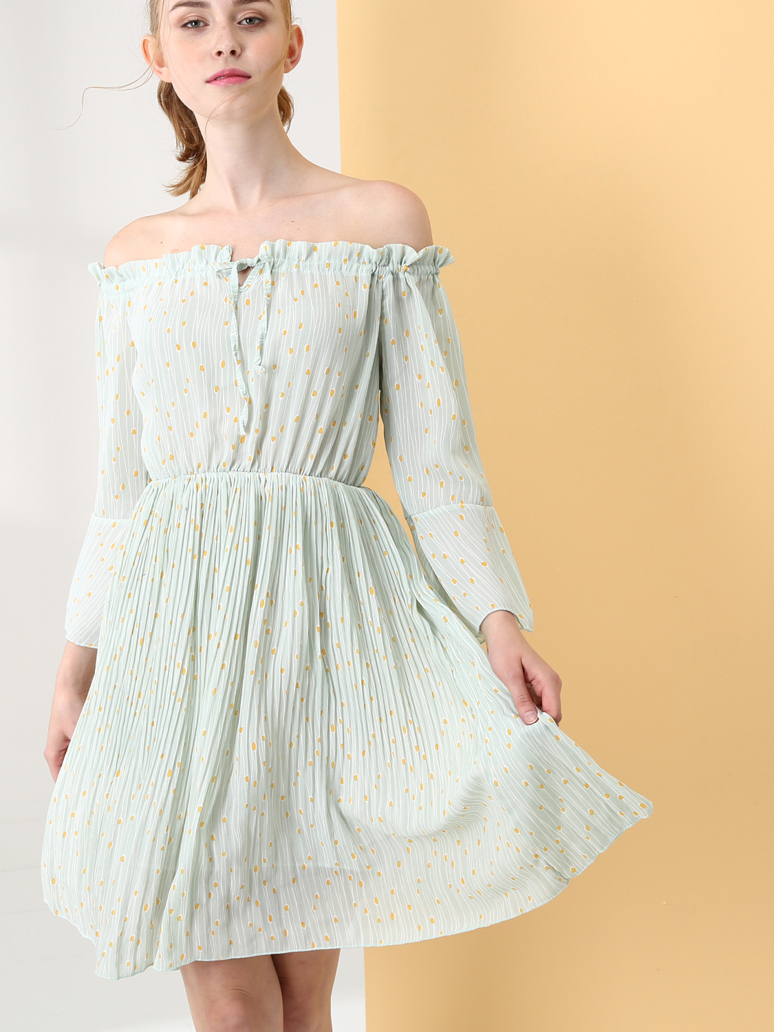 b8edbc92fd8f US$ 34 - OneBling Dot and Striped Print Off Shoulder Pleated Dress with Tie  Front and Fluted Sleeve - www.onebling.com