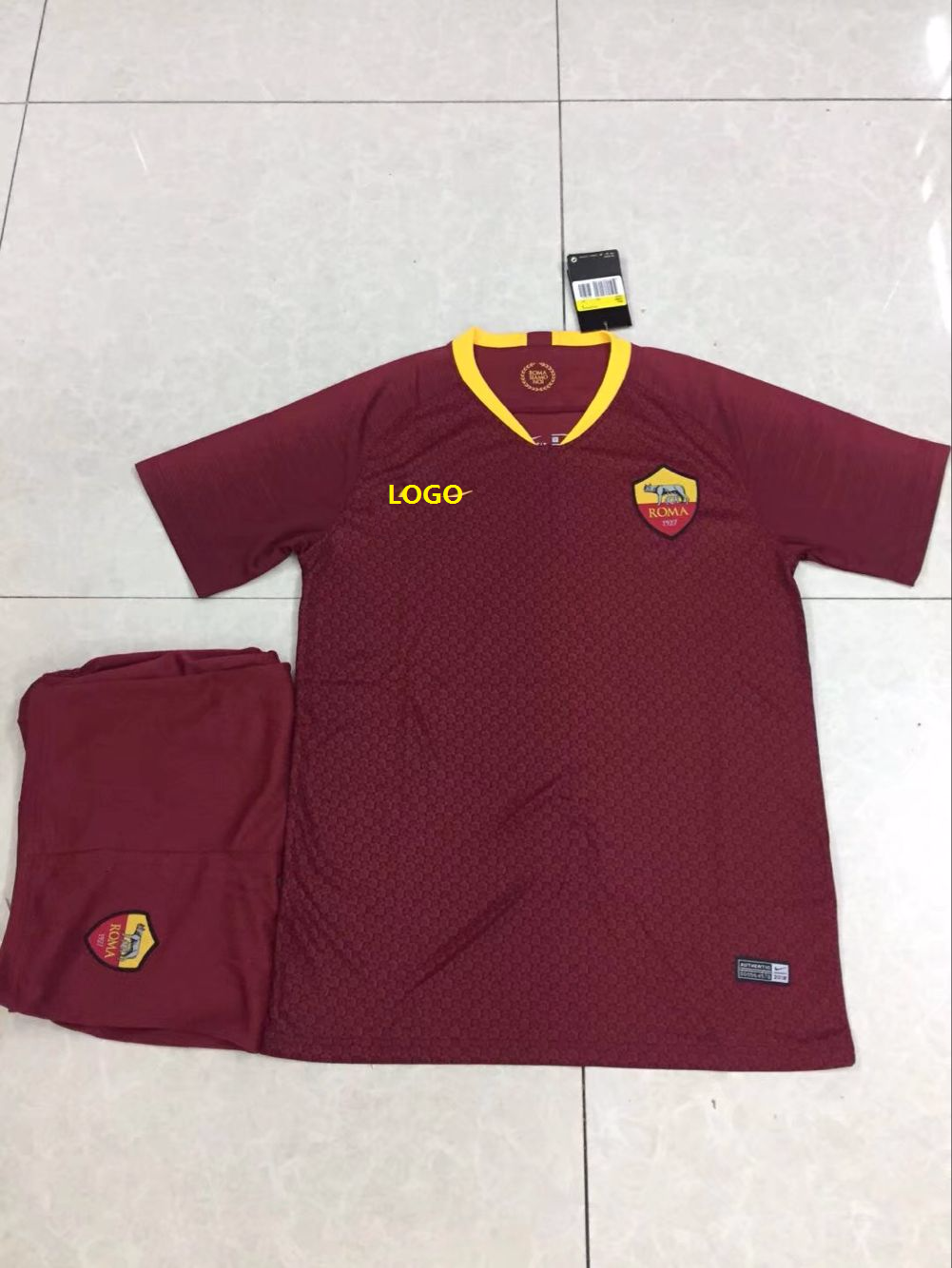 9a2830ed4c0 2018/19 AAA Men Roma Home Red Soccer Uniform Adult Football Kits DIY Soccer  Jersey