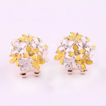 1 Pair Vogue Women Lady Elegant Flower Pearl Rhinestone Ear Stud Earrings