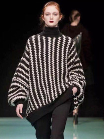 Fashionable sleeved loose stripe knitted sweater