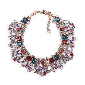 Exaggeration of Diamond Crystal Clavicle Chain