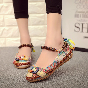 Retro Beaded embroidered lace old Beijing cloth shoes