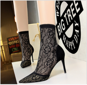 Euro-American fashionable and sexy nightclub with thin lace, sharp heel, high heel, suede mesh short boots