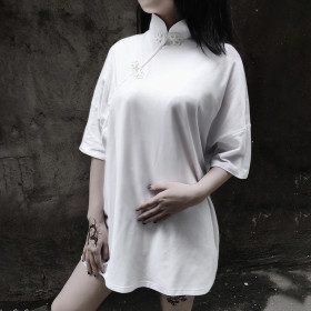Chinese-style disc-buttoned modified cheongsam jacket with loose middle sleeve collar