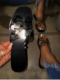 Snake pattern flat sandals and slippers