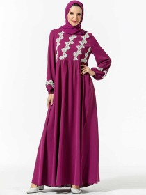 Fashionable Arabic women's embroidered Muslim leisure dress (excluding headscarf)