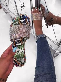 Women's sandals with diamond slippers