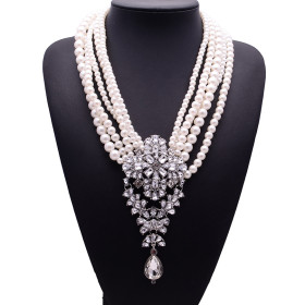 High grade exaggerated Pearl Necklace