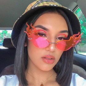 Vintage Cat Eye Triangle Sunglasses Cool Sun Glasses Men Big Rimless Cateye Hollow Sunglasses Female Luxury Trending Shades