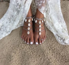 Shell tassel multi - layer refers to the beach anklet