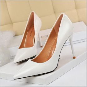 Fashionable and Simple Professional OL High-heeled Shoes