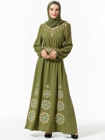 Demure and fashionable Middle East large women's embroidered belt and large Muslim dress (excluding headscarf)
