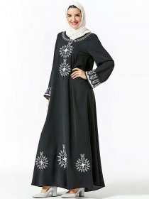 Elegant Arabic women's embroidered belt long sleeve round neck Muslim long skirt (excluding headscarf)