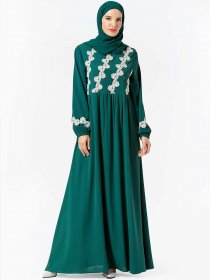 Elegant and comfortable Arabian women's fashion plant embroidered dress (excluding headscarf)