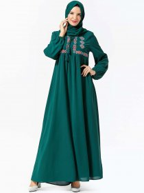 Large size women's characteristic ethnic embroidered and arranged Arabian leisure dress (excluding headscarf)