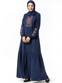 Middle East fashion women's embroidered pocket with Muslim leisure dress (excluding headscarf)