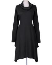 Unregelmäßiges reines Kleid mit hohem Halsausschnitt 23076-1