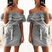 Süßes schwarzes Volant aus Schulter Kleid 24168-4