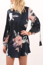 Flower Schwarzes Minikleid mit Ärmeln 26843