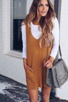 Платье с обычным цветным трикотажем с карманами