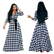 Белое и черное платье для печати Maxi с рукавами