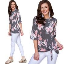 O-Neck-Shirt mit Blumenmuster und mittleren Ärmeln