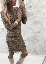 Langarm-Leopard-Chic-dünnes Kleid