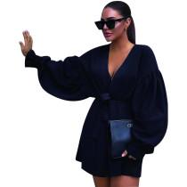 Abrigo de pop negro con cinturón