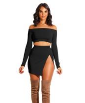 Falda corta con hombros descubiertos y falda de corte alto en color liso