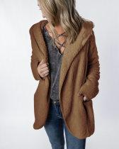 Abrigo corto de felpa con capucha con bolsillos