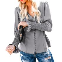 Bluse mit V-Ausschnitt und Pop-Ärmeln