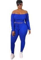 Blaues langärmliges Schulterfreies Oberteil und Leggings