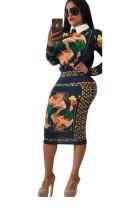 Langärmeliges, figurbetontes Kleid mit afrikanischem Print