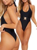 Schwarze hoch geschnittene einteilige Badebekleidung