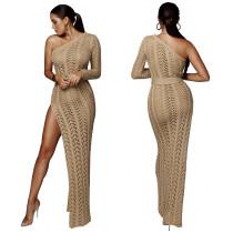 Langes Kleid mit langem Schnitt und Einzelärmel