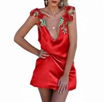 Мини-платье без рукавов с атласным цветком