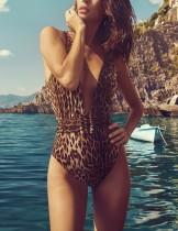 Bañador de leopardo de una pieza de Deep-V