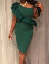Bir omuz ruffles parti elbise
