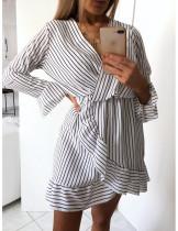Vestido de manga corta con rayas cortas