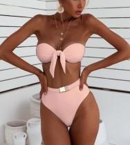 Trägerlose, solide Badebekleidung mit hoher Taille