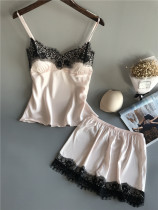 Encaje detallada de dos piezas de ropa de dormir sin problemas