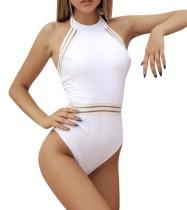 Weiße einteilige Scoop-Badebekleidung