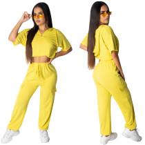 Sudadera deportiva con capucha, top y bolsillos pantalones