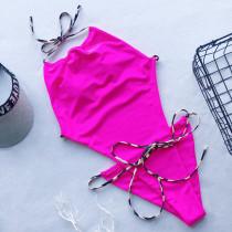 Einteilige sexy Neckholder-Badebekleidung